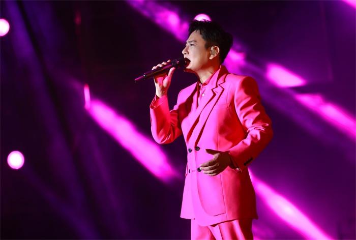 张信哲未来式 2.0世界巡回演唱会首站,10月16日海口再续未来与梦想的旅途
